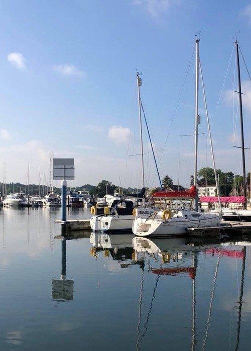 deacons marina flexi berthing sunny
