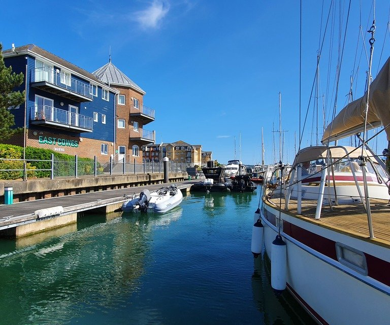 East Cowes Marina - get in touch