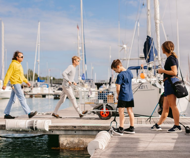 Boatfolk SimpleTruth Haslar JennaFoxton 2020 27