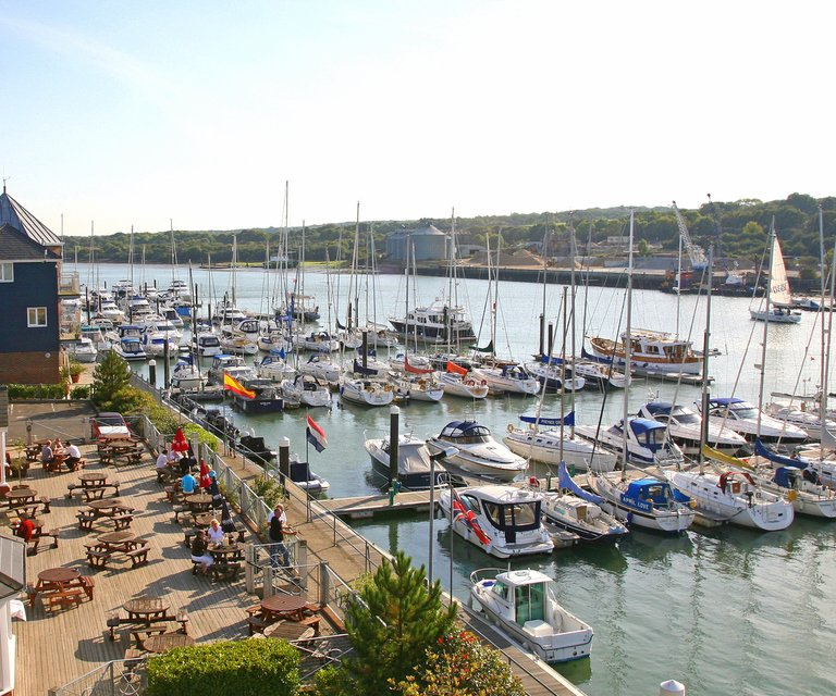 Getting to East Cowes Marina