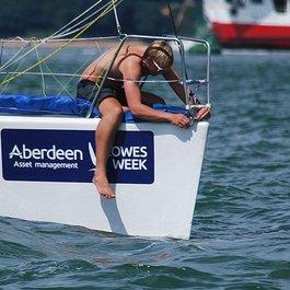 eastcowes manfixingboat