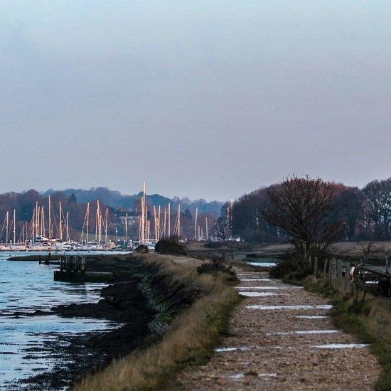 Dog walks from Deacons marina