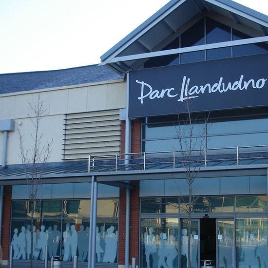 Llandudno shopping 1